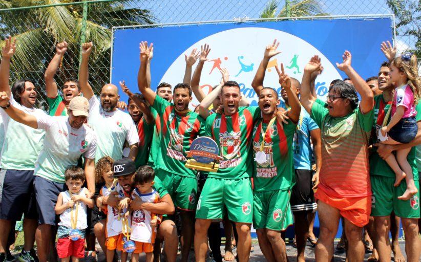 Bruno Xavier marca três, Anchieta bate Vitória e é tri do Estadual de Beach Soccer
